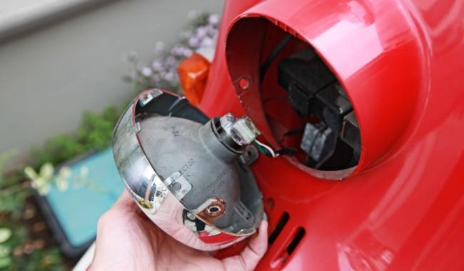 ジュリオ(AF52)ヘッドライト交換
