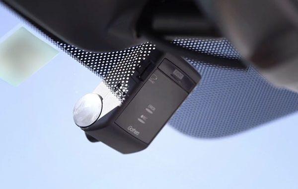 ホンダ:ヴェゼルに自分でドライブレコーダーを取り付ける